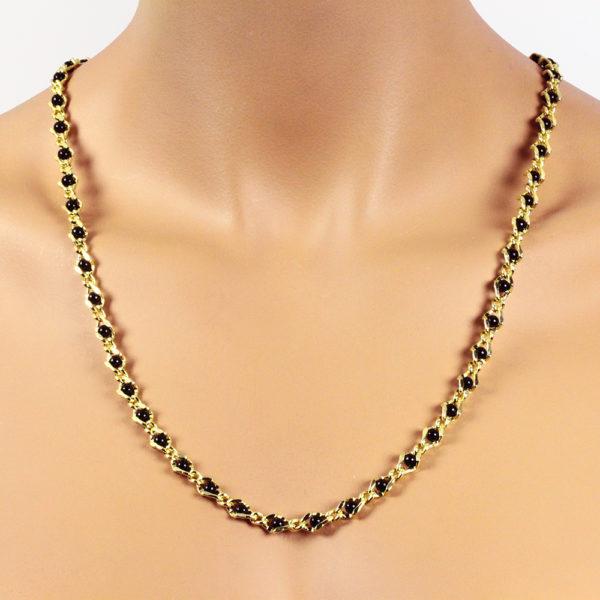 Perlenkette schwarz 6 mm